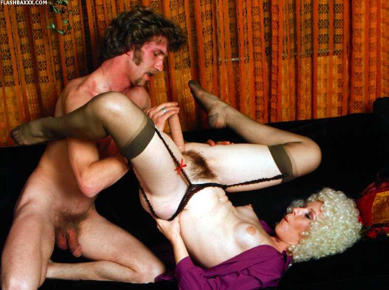 Порно секретарши ретро онлайн
